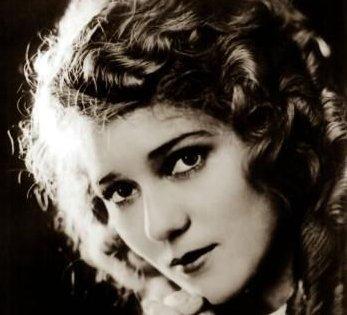 Ngôi sao nữ sáng nhất của thời đại phim câm, nhà  làm phim độc lập tiên phong Mary Pickford